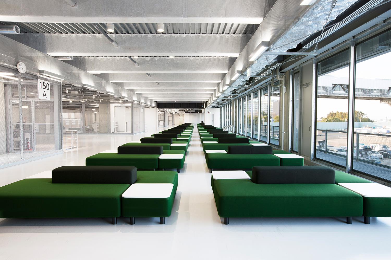 成田空港の無印良品の家具