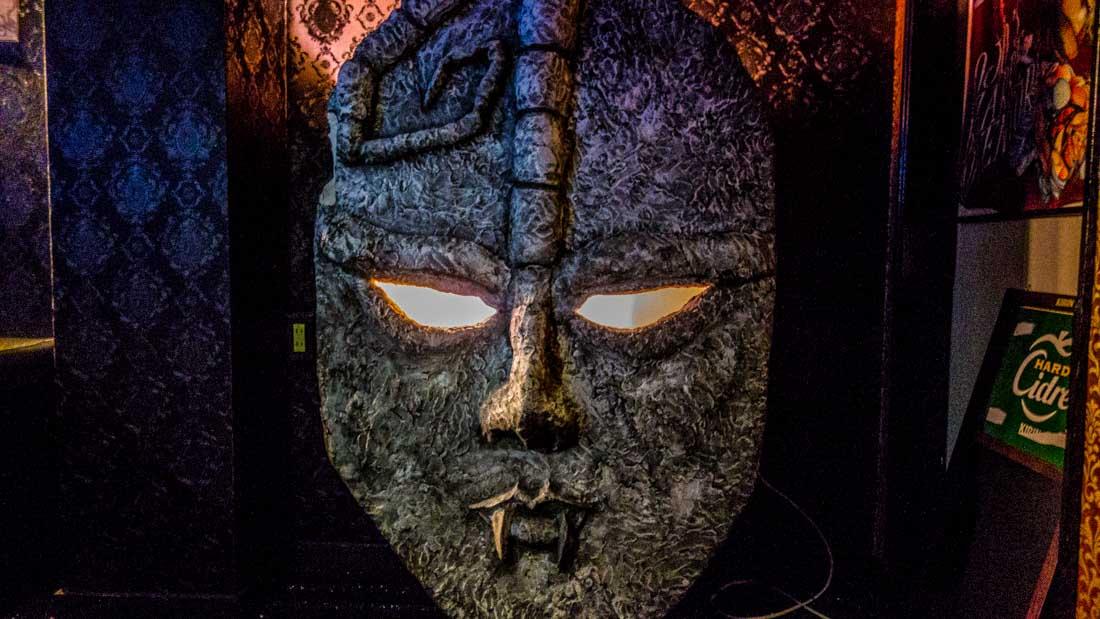 心斎橋、道頓堀、宗右衛門町にあるジョジョバー石仮面
